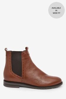 Tan Signature Chelsea Boots