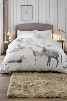 Textured Dobby Snowy Stag Scene Duvet Cover and Pillowcase Set