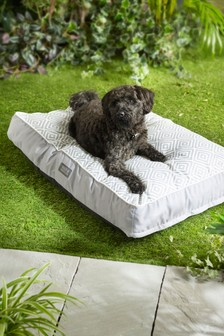 Outdoor Geo Print Pet Bed