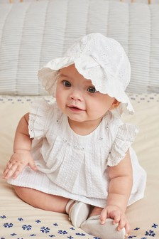 White Embroidered Blouse And Shorts Set (0mths-2yrs)