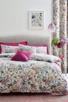 Reversible Bright Vintage Floral Duvet Cover And Pillowcase Set