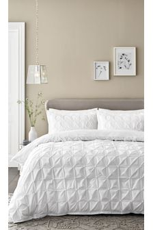 White  All Over Pleated Duvet Cover and Pillowcase Set