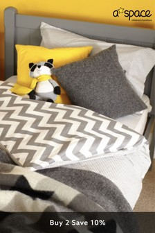 Grey Aspace Charterhouse Trundle Bed
