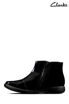 Clarks Black Etch Form K Boots