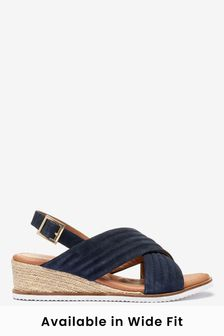 Navy Forever Comfort® Quilted Wedges