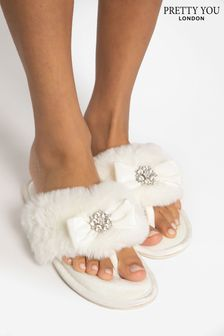 Pretty You London White Amelie Toe Post Diamante Slipper