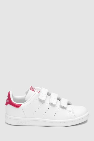 photos officielles 455f6 f6034 Buy adidas Originals Stan Smith Junior Trainers from the ...