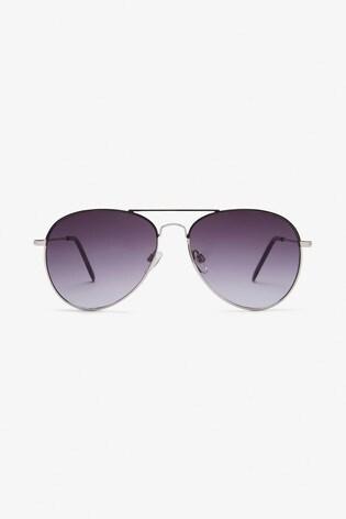 Silver Tone Classic Aviator Style Sunglasses