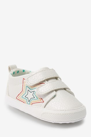 White Pram Trainers (0-18mths)
