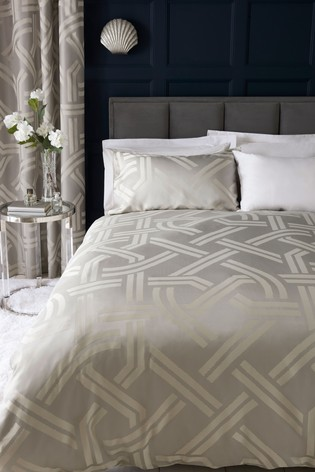 Graphic Jacquard Duvet Cover And Pillowcase Set
