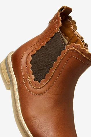 Tan Leather Little Luxe™ Scallop Chelsea Boots (Younger)