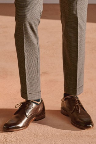 Brown Contrast Sole Leather Derby Shoes
