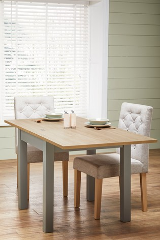 Dining Table With 6 Chairs Size