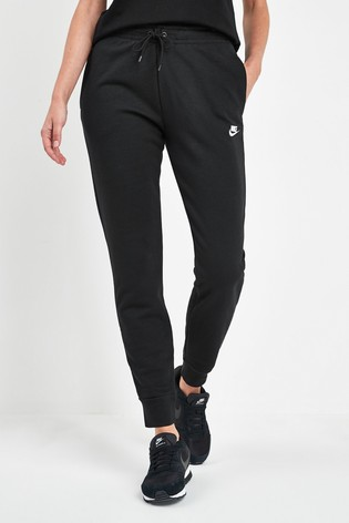 Nike Essential Fleece Tapered Joggers