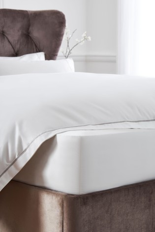 600 Thread Count 100% Cotton Sateen Collection Luxe Deep Fitted Sheet