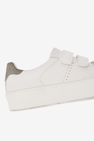easy fasten trainers