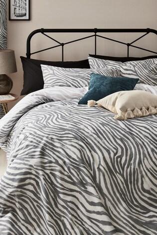 Reversible Zebra Print Duvet Cover and Pillowcase Set