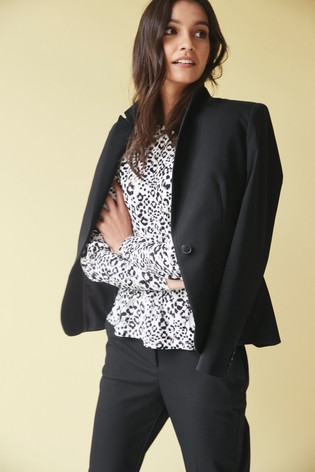 Black Single Breasted Tailored Fit Jacket