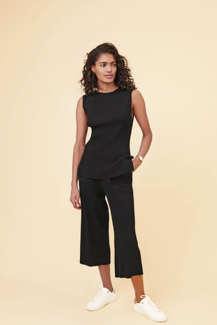 Black Co-Ord Pleat Trousers