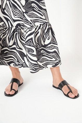 Black Regular/Wide Fit Toe Loop Mule Sandals