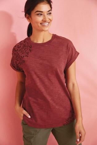 Berry Animal Curved Hem T-Shirt