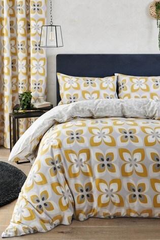 Reversible Retro Petals Duvet Cover And Pillowcase Set