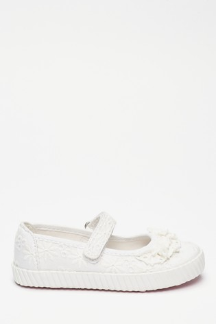 White Ruffle Mary Jane Pumps (Younger)