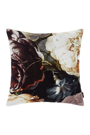 Set of 2 Winona Large Floral Pillowcases by Linen House