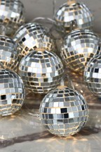 10 Discoball Line Lights