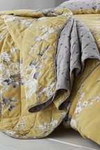 Catherine Lansfield Reversible Canterbury Floral Quilted Bedspread