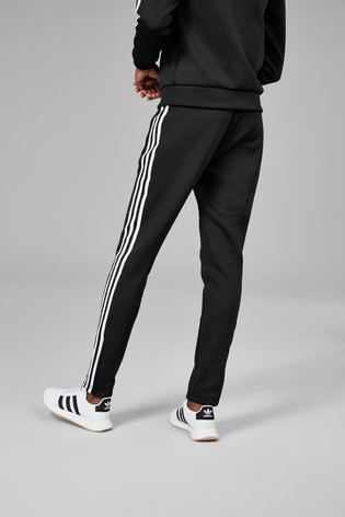 the latest e96ac 3bb73 adidas Originals Superstar Track Joggers