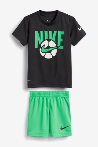 Definitivo diario Red  Buy Nike Little Kids Black/Green Football T-Shirt and Shorts Set from the  Next UK online shop