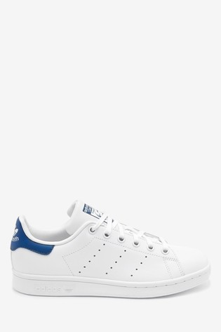 pretty nice 7c530 c6ac9 adidas Originals White/Blue Stan Smith Youth Trainers