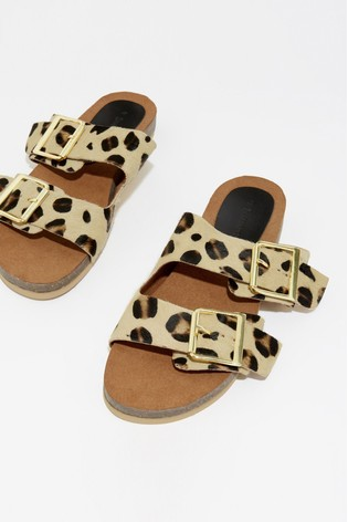Double Buckle Animal Footbed Sandals Warehouse nPywNm8Ov0