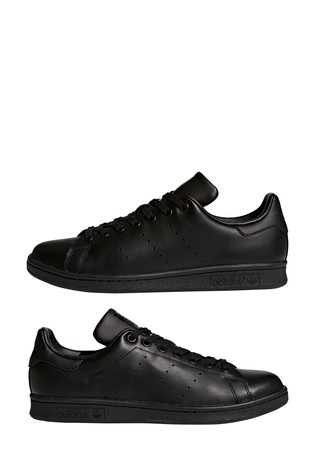 new products 1fc70 21923 adidas Originals Stan Smith Trainers