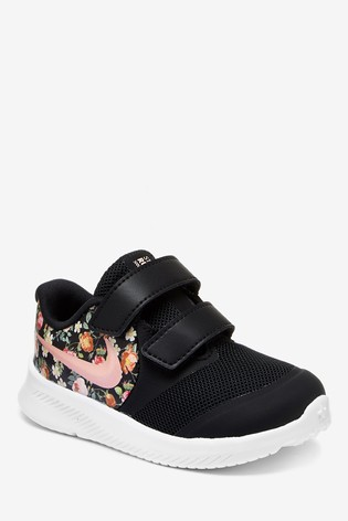 grossiste 9329a a9c7e Nike Run Black/Floral Star Runner Infant Trainers