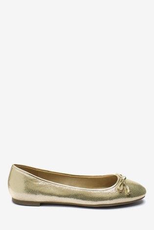 pretty nice 17504 9150f Gold Round Toe Leather Ballerinas