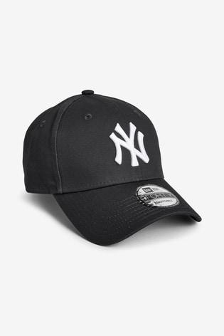 ca7dffb5 New Era® 9FORTY NY Yankees Cap