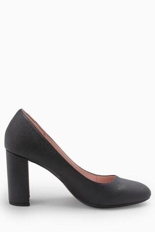 0a682d6f7 اشتر حذاء نسائي للأعمال الرسمية بكعب مربع من Next السعودية