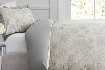 Floral Bird Jacquard Collection Luxe Bed Set