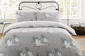 Catherine Lansfield Swan Bed Set