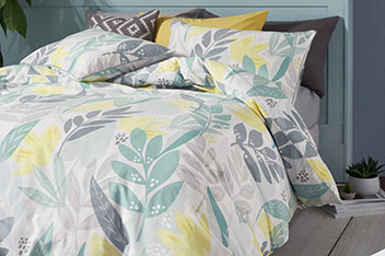 Bold Leaf Bed Set