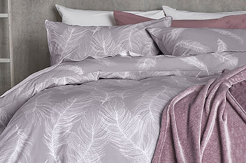 Feathers Printed Bed Set