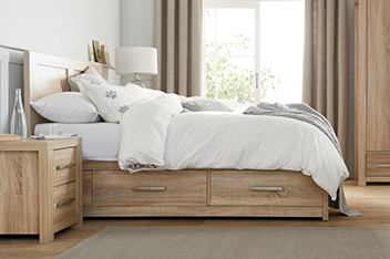 Cuba Oak® Bed With Drawers