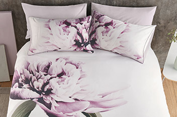 Cotton Sateen Oversize Floral Bed Set