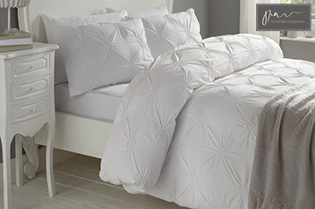 Signature Elissa Bed Set