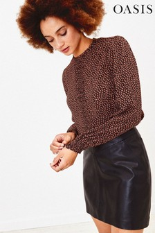 Oasis Black Mini Leaf Pintuck Top