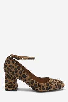 Туфли-лодочки с квадратным носком и ремешком вокруг щиколотки