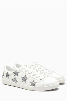 Кроссовки на шнуровке со звездочками