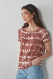 Short Sleeve Scoop Neck T-Shirt
